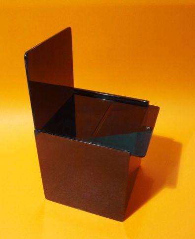 urna de acrilico de color